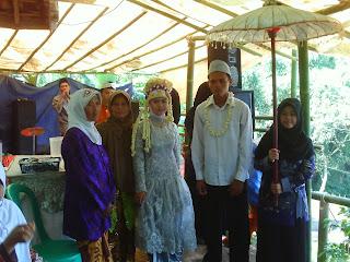 Wedding ala Kampung Gantungan
