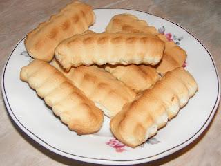biscuiti, biscuiti de casa, biscuiti de casa cu untura, dulciuri, deserturi, prajituri, retete biscuiti, reteta biscuiti, retete si preparate culinare biscuiti de casa cu untura, biscuiti pufosi, biscuiti crocanti, retete cu untura de porc, retete de biscuiti, reteta de biscuiti,