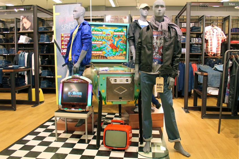 Fadela mecheri galeries lafayette marche de la mode vintage lyon - Salon de la mode vintage lyon ...