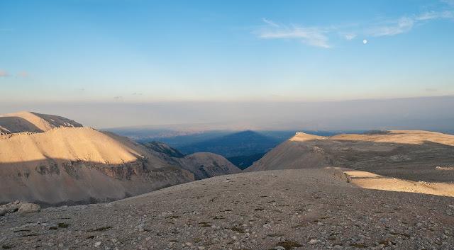 Monte Acquaviva, Monte S.Angelo, Cima dell'Altare, l'ombra di Monte Amaro