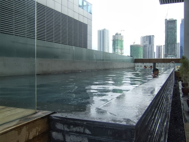 f1 hotel manila lap pool