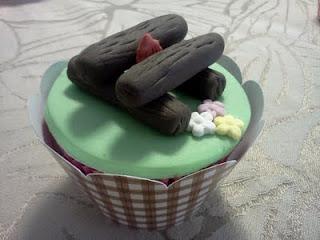 Cupcake Junino com fogueira