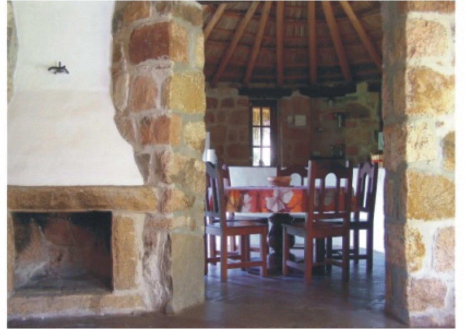 Interior casa de piedra menta y peperina for Piedra interior