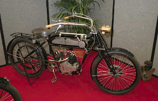 1914+Moto+Reve+500cc+Sui%C3%A7a.jpg