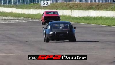 Um Volkswagen SP2 nas pistas_04