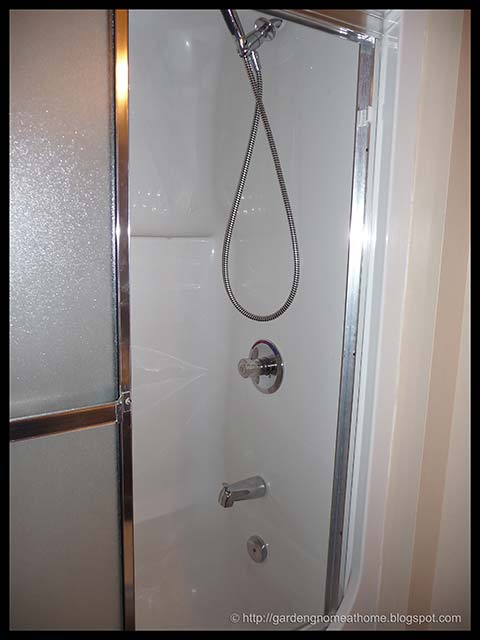 how to fix a leaky hand held shower head