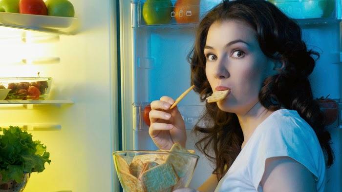 Makan Tengah Malam Bisa Ganggu Daya Ingat