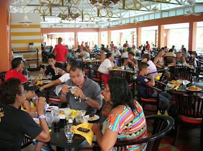 Restaurante Atlantis, Hotel Royal Decameron Resort Panamá, round the world, La vuelta al mundo de Asun y Ricardo, mundoporlibre.com