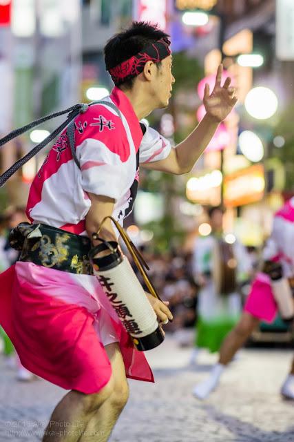 三鷹阿波踊り 井之頭連の男踊り ちょうちん