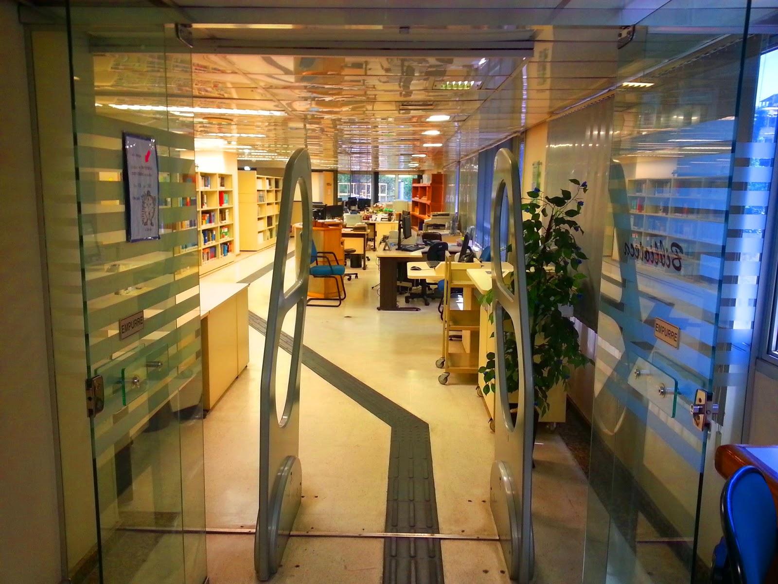 #AB7D20  de estudos da Sala de Leitura da estante Livre e dos equipamentos de 794 Limpador De Vidros E Janelas Magnetico