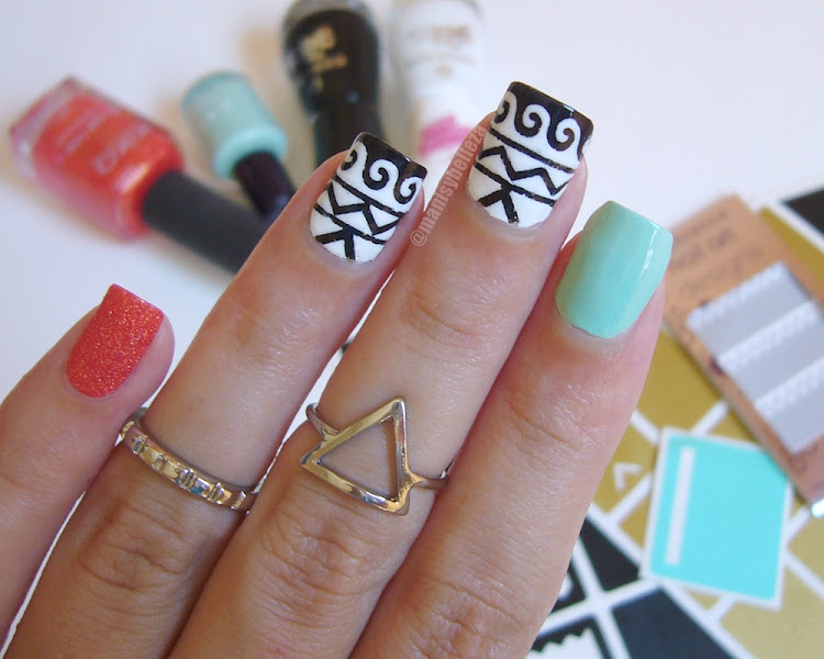 Nail art Tribal