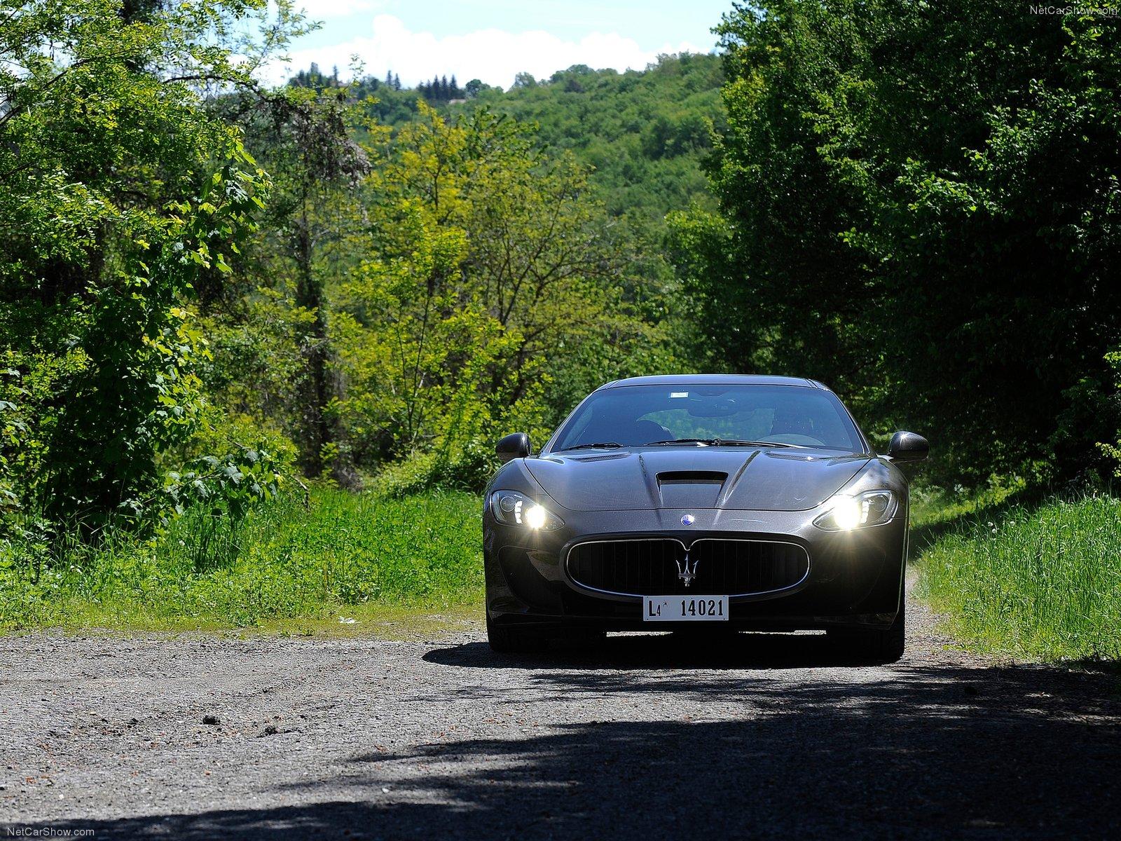 Hình ảnh siêu xe Maserati GranTurismo MC Stradale 2014 & nội ngoại thất