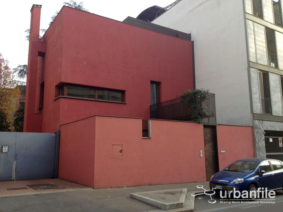 Urbanfile milano zona maciachini la casa rossa di via for Piani casa stretta casa