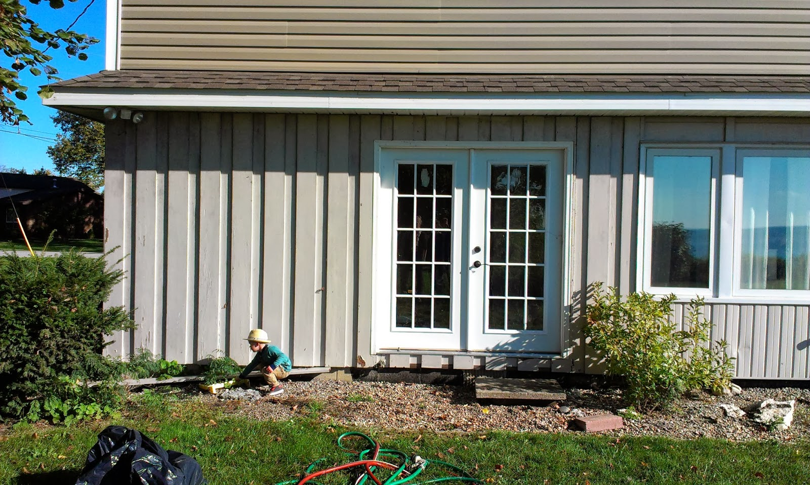 Elephant Buffet Take A Bite Tutorial How To Paint Your Exterior Wood Siding
