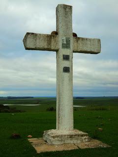 Cruz indicando a Batalha do Caiboaté, em São Gabriel
