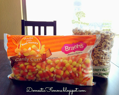 Favorite Fall Snacks: PayDay Mix #Peanuts #Caramel #Pay #Day #Snack #Idea #Ideas #Kid #Friendly #Quick #Easy #Candy #Bar #Bars #TrailMix #Trail #Mix #Halloween
