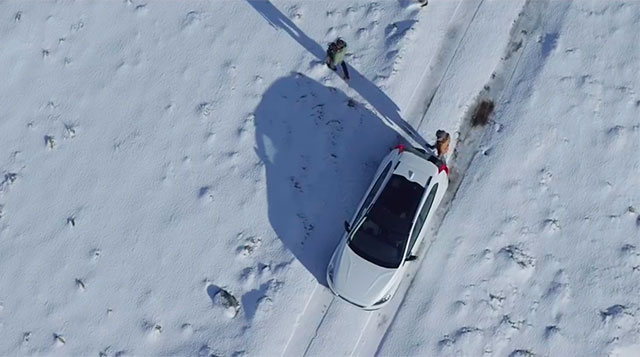Volvo V40 en paisaje nevado Fargo
