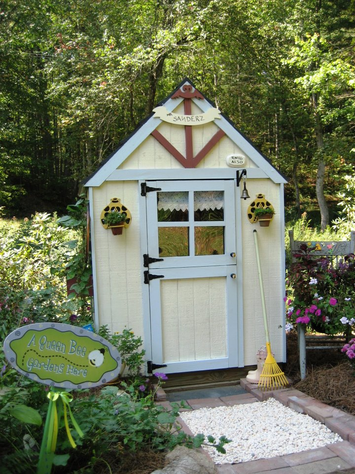 Whimsical cottage gardening sit with me in my garden - Cottage garden shed pictures ...