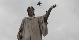 foto statue dante alighieri