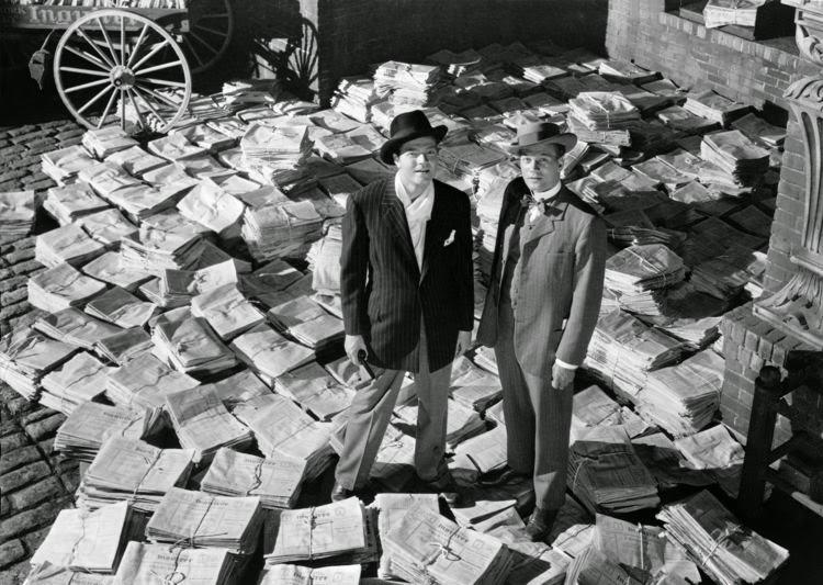 Orson Welles stars in Citizen Kane, released in 1941.