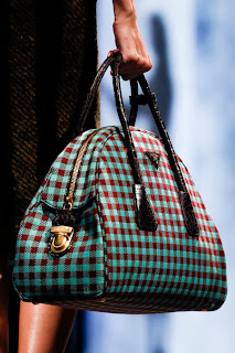 #MFW: Prada Fall/Winter 2013 Runway & BAGS Review