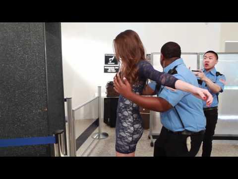 Strip search en el aeropuerto