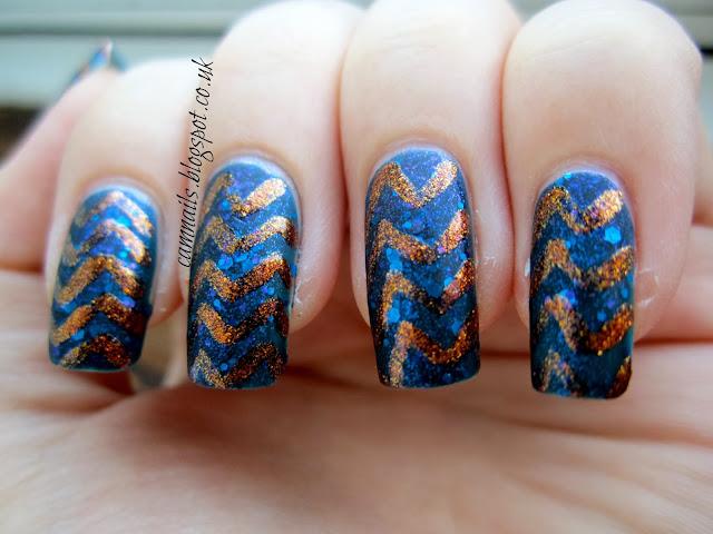 emily-de-molly-blueprint-chevron-freehand-nail-art-manicure