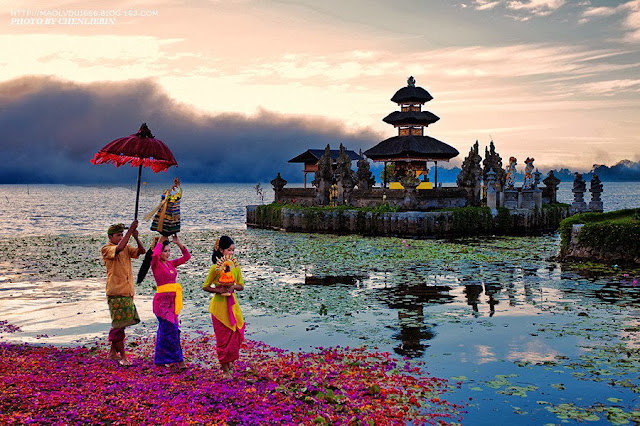 Beautiful scenery of Pura Ulun Danu Bratan on Bali, Indonesia