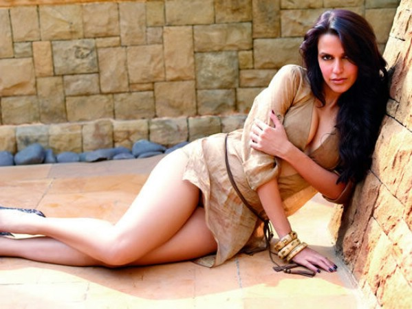 neha dhupia sexy bikini photo 03
