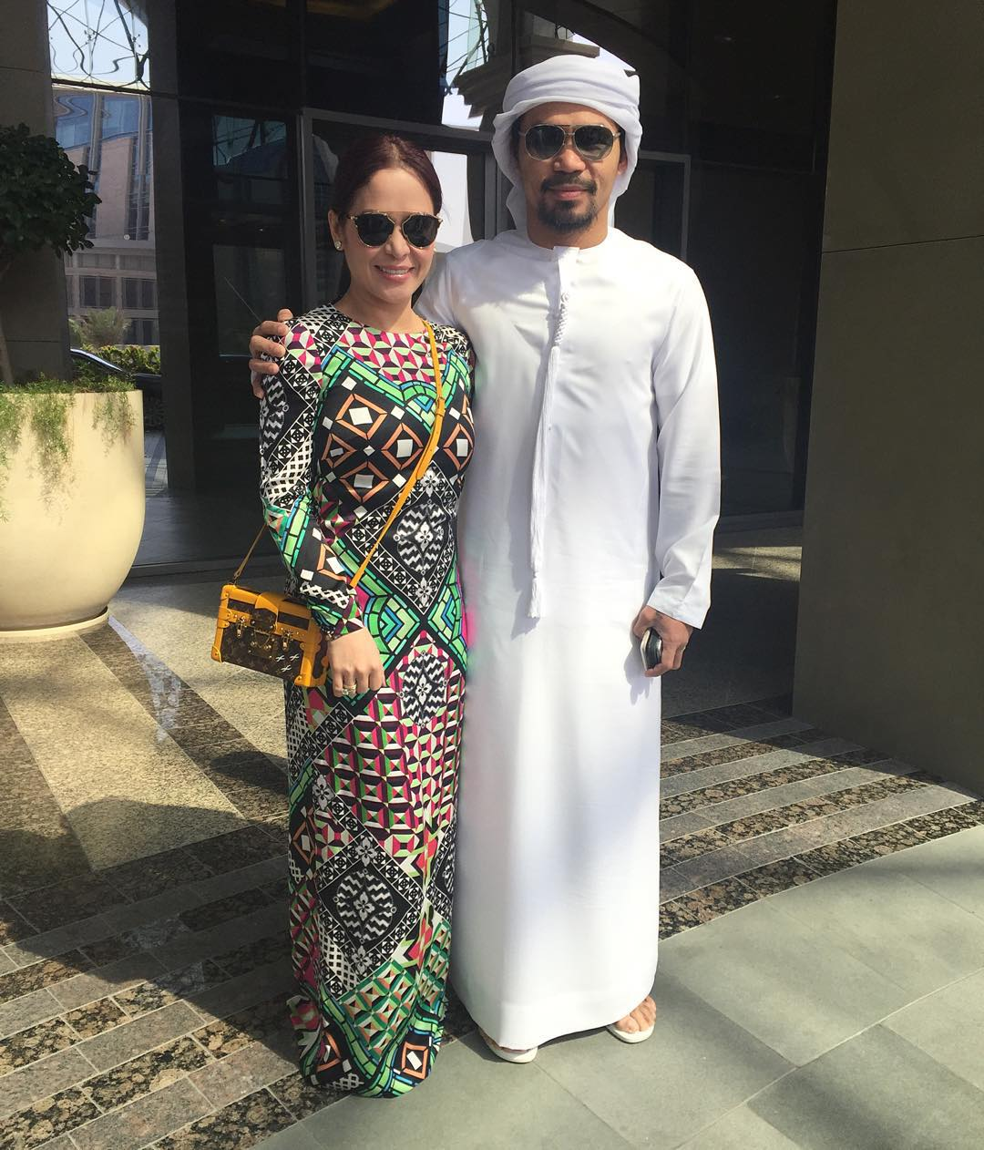 Manny-Pacquiao-wears-traditional-Arabian-clothing-photo