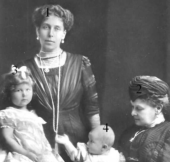 Victoria Feodorovna, Maria Pavlovna, Maria et Kira Kirilovna de Russie
