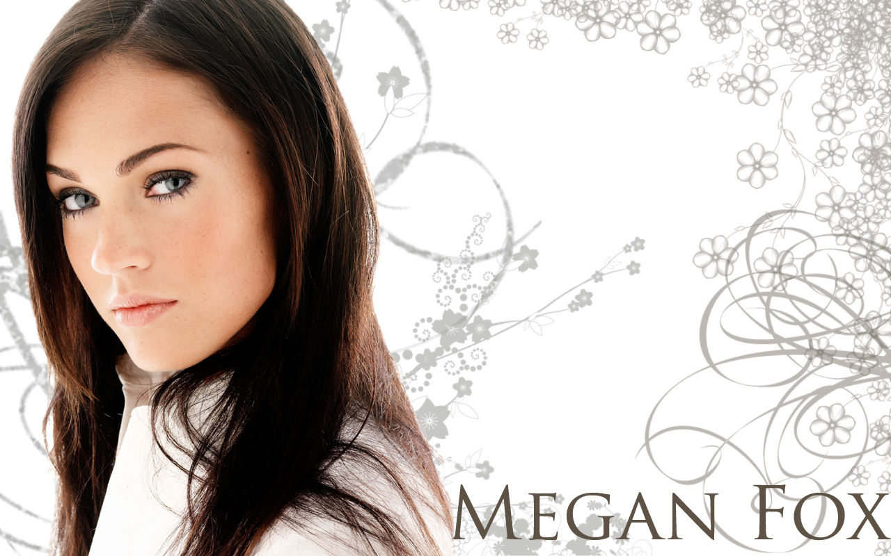 Most Women Searches In Google: Sexy Megan Fox Wallpapers