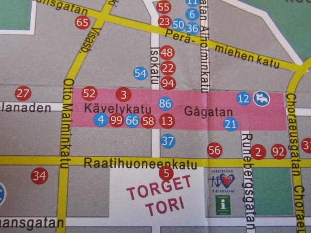 Här på kartan finns Hant- verkarboden på nr 65. Tällä kartalla Käsityöläis- puoti sijaitsee nro 65.