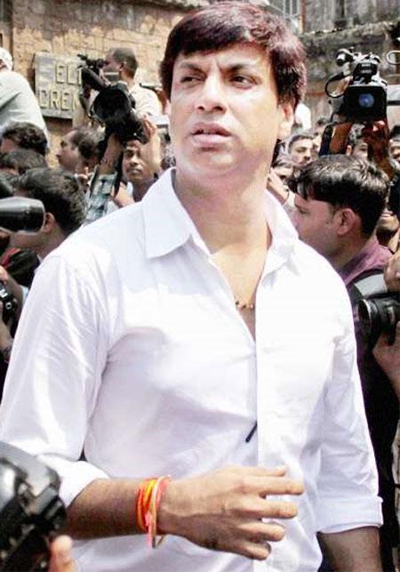 http://2.bp.blogspot.com/-dw3bmpnytsE/TpR_SQZ1d1I/AAAAAAAAAVA/s484BAm1aAk/s1600/Jagjit+Singh+Funeral+Pictures+11.jpg