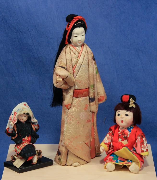 日本語で博士 E の人形博物館 [Dr. E's Doll Museum in Japanese}
