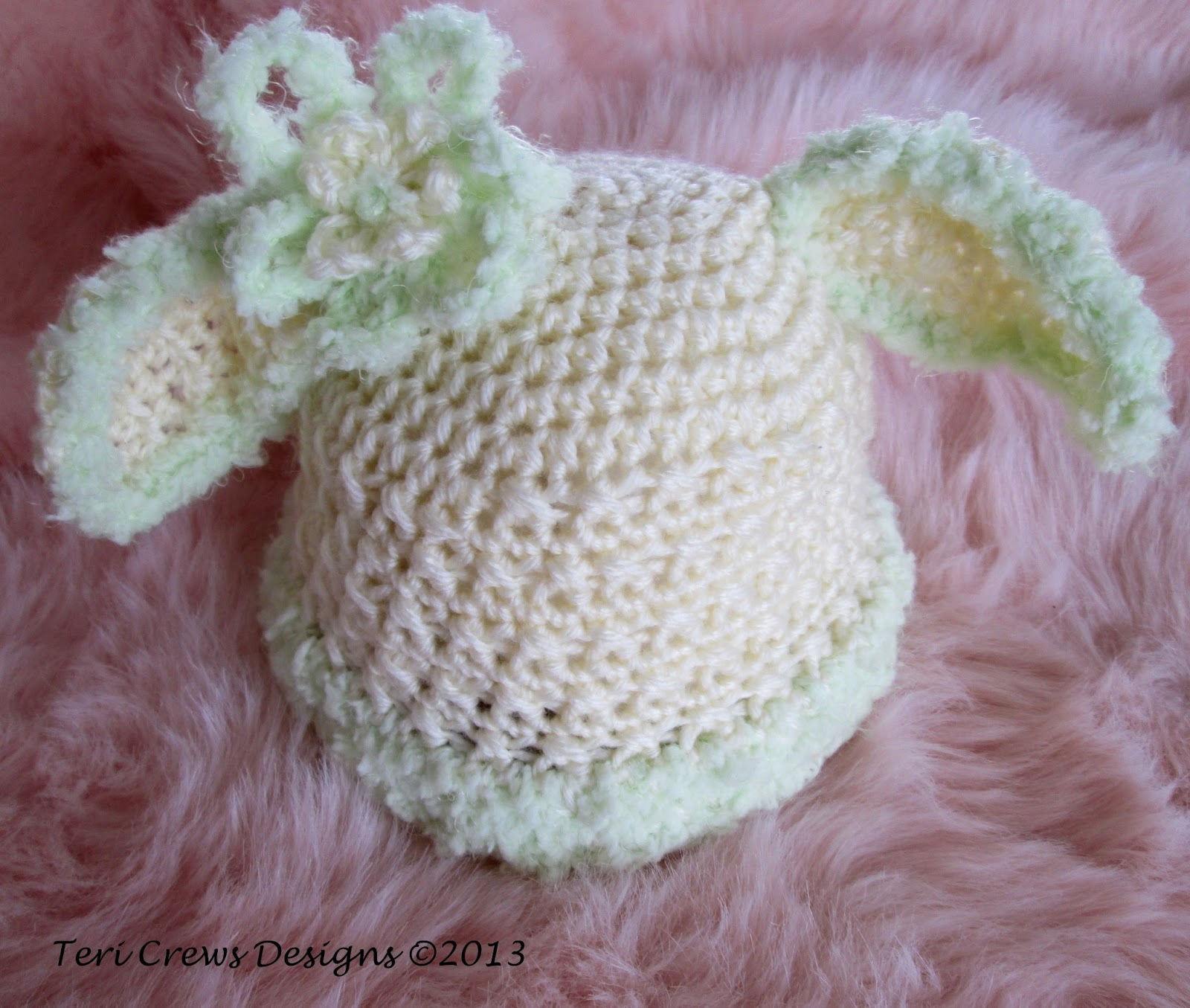 Crochet Pattern For Newborn Bunny Hat : Teris Blog: Bunny Baby Hat, Another Free Crochet Pattern