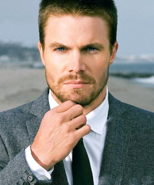 Happy Birthday Stephen AmellStephen Amell