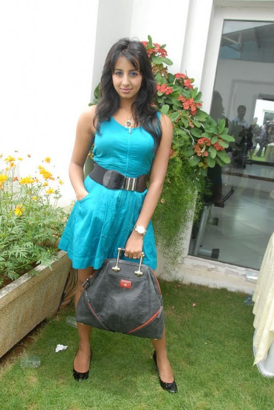 Kannada Mallu Actress Sanjana Latest Spicy PicturePhotos unseen pics