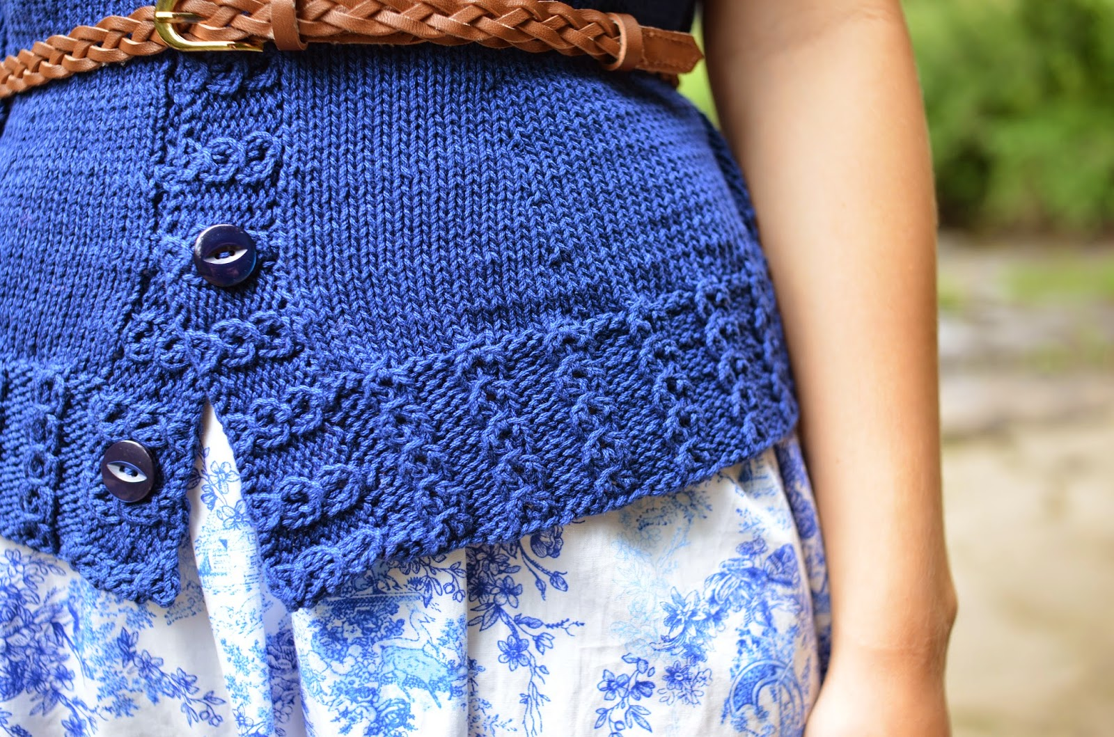 Petit Pois cardigan pattern by Katya Frankel