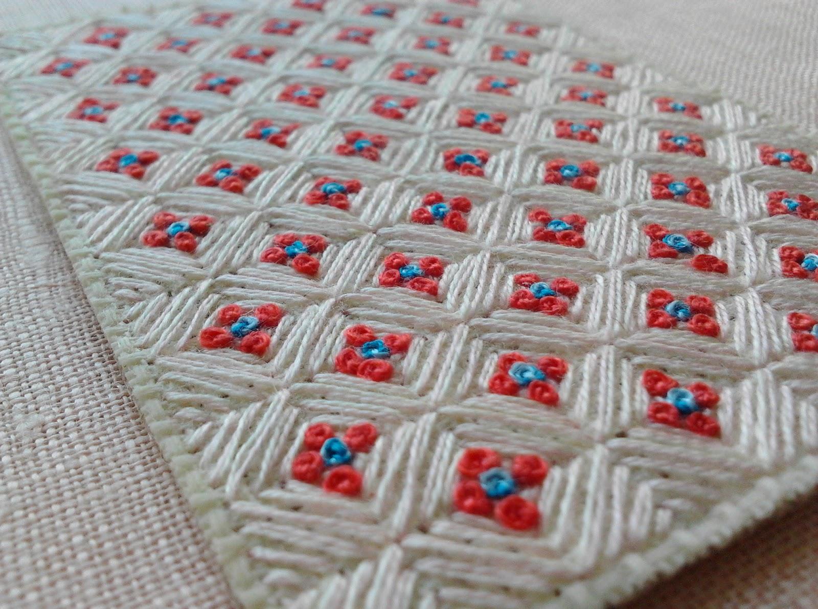 Одно или двухцветные схемы для вышивки