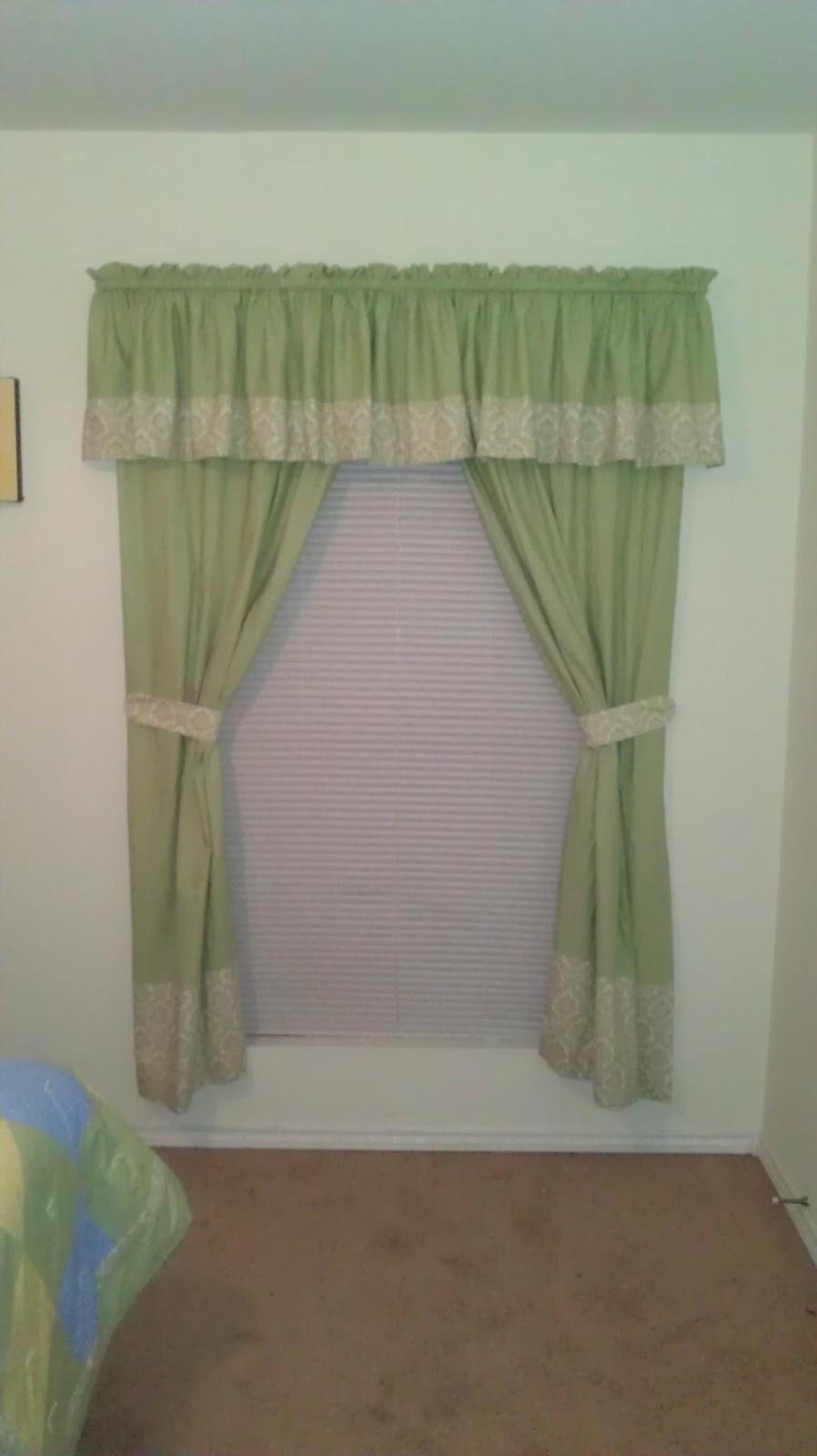 apples to applique curtain tie backs. Black Bedroom Furniture Sets. Home Design Ideas