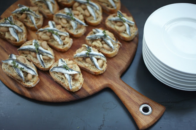 Crostini with white anchovies cannelloni bean
