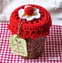 tampas feitas de crochê