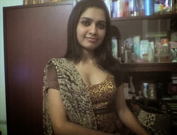 Local+Desi+Village+Hot+Girls+Cute+And+Nice+smile+Wallpapers+And+Photos,+Image001