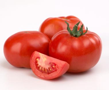 manfaat buah tomat untuk wajah