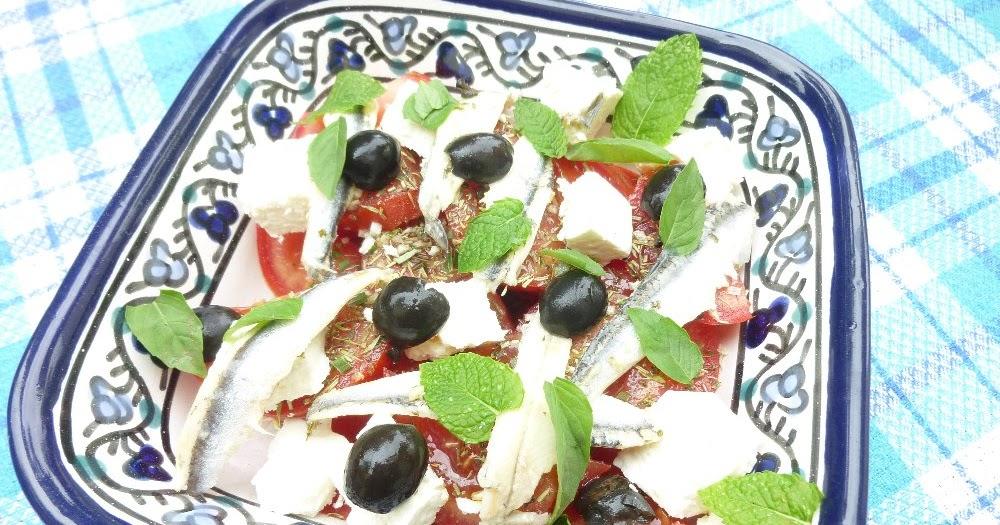 maman plus mon journal de bord petite salade fraiche tomate feta anchois. Black Bedroom Furniture Sets. Home Design Ideas
