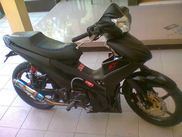 Modifikasi Motor Absolute Revo Racing Look Black