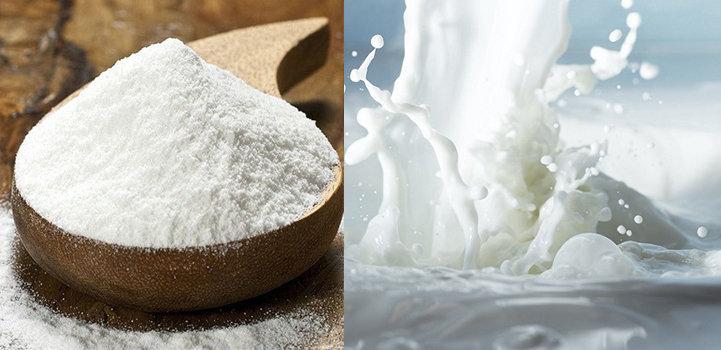 Trộn đều 1 thìa bột ngọc trai với sữa tươi không đường để tạo thành hỗn hợp sền sệt.