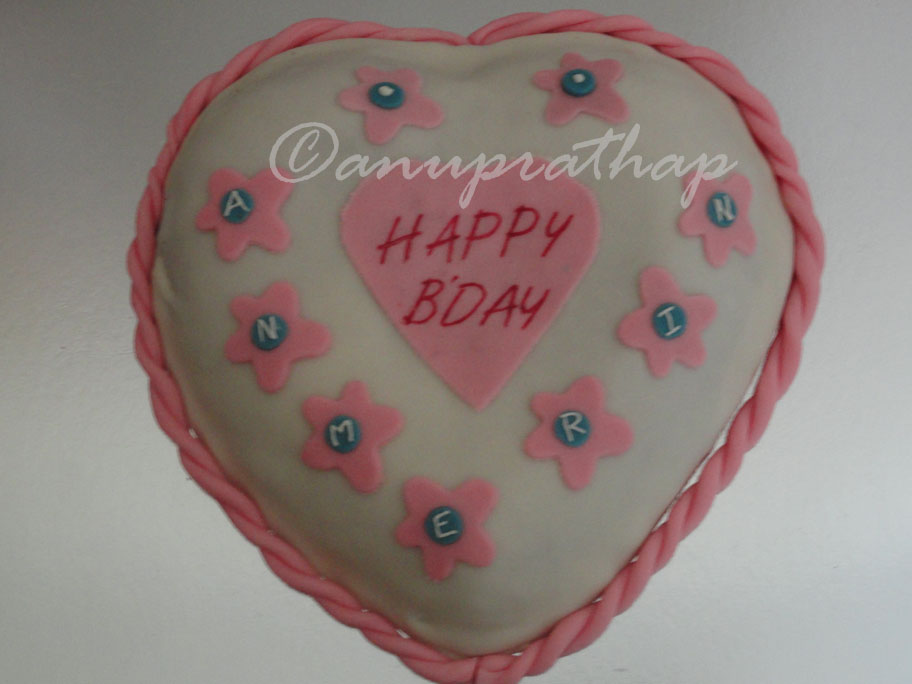 Anu Prathaps Kitchen Pink And White Heart Shaped Birthday Cake