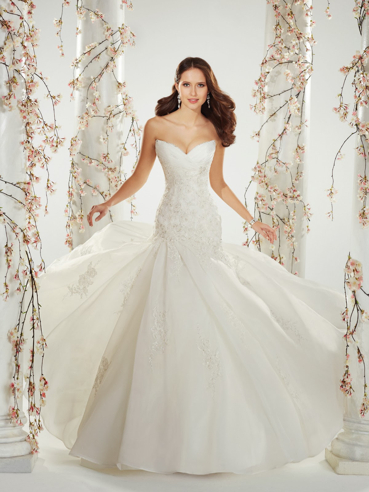 Lazaro Blush Wedding Dress Say Yes To The Dress Viewing